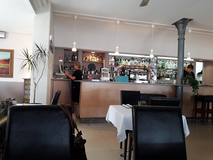 Restaurant CHEERS PLAYA Passeig Marítim, 96, 17258 L'Estartit, Girona