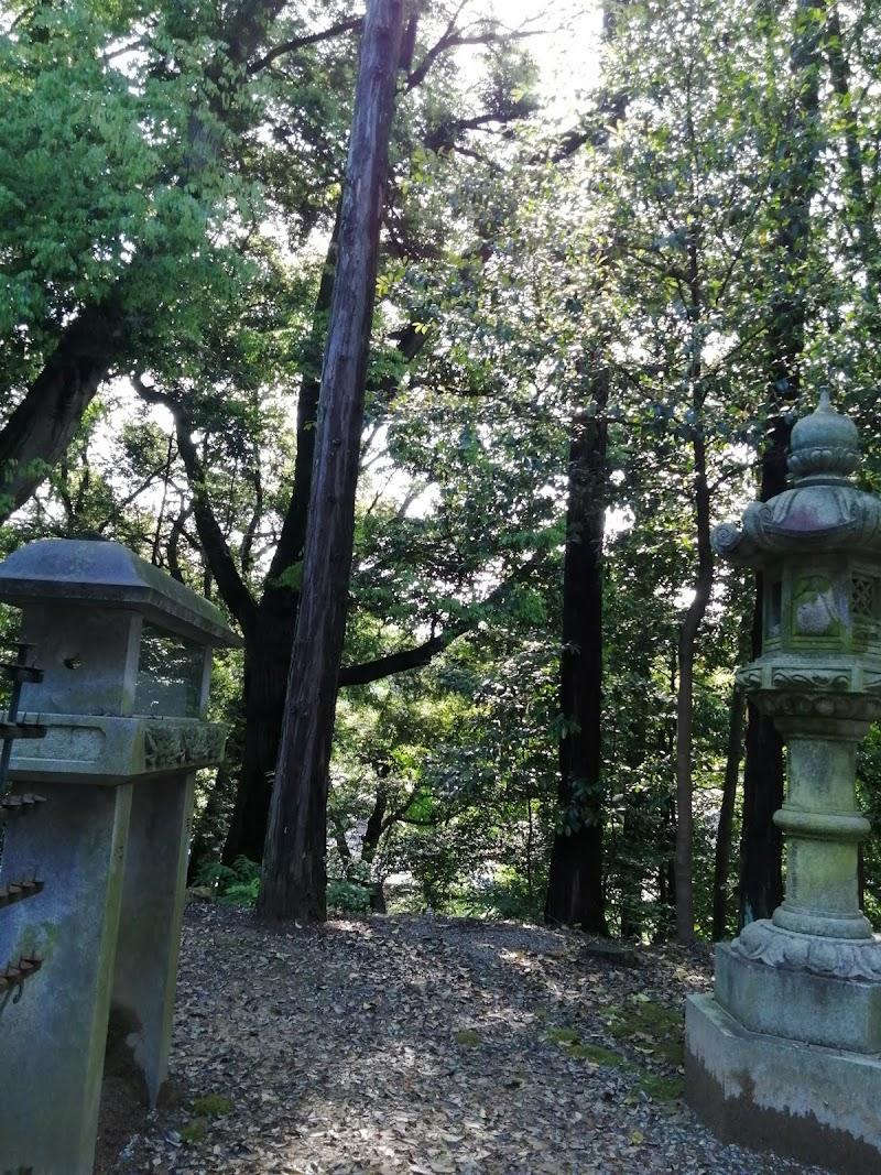 村国神社・奥の院