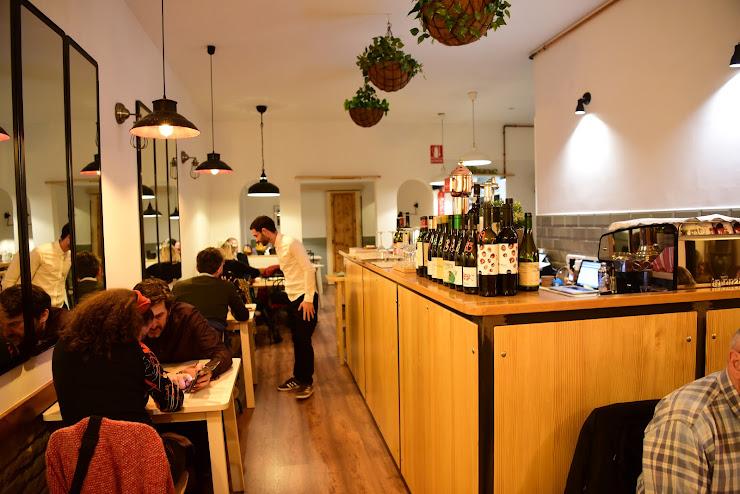 Olivos Comida y Vinos Carrer de Galileu, 159, 08028 Barcelona