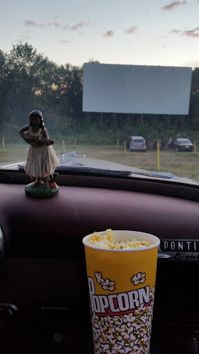 Drive-in Movie Theater «Leicester Triple Drive-In Theatre», reviews and photos, 1675 Main St, Leicester, MA 01524, USA