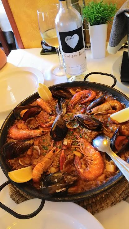 Restaurante El Cibulet Pl. Josep Sapés i Esmendia, 6 - 8, 08191 Rubí, Barcelona