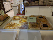 Business Reviews Aggregator: Pastry Chef Bakery