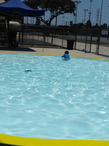 Park «Bellflower City Caruthers Park», reviews and photos