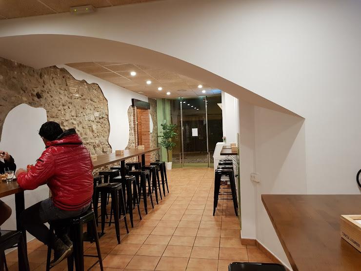 Bàsic Restaurant Carrer Major, 28, 08140 Caldes de Montbui, Barcelona