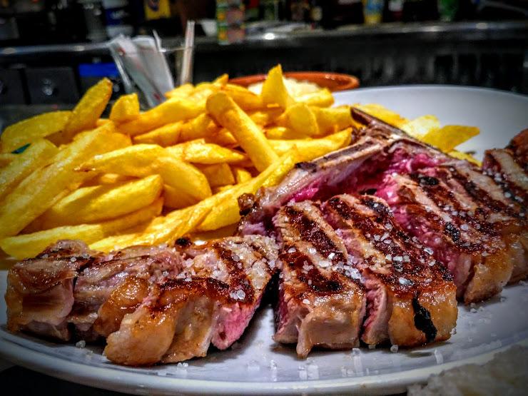 Hotel Restaurante Shadow Carrer Sant Roc, 13, 25550 Bosost, Lérida