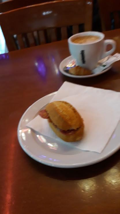 Custom Tapas Restaurant Passatge Sant Miquel, 10, 08100 Mollet del Vallès, Barcelona