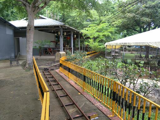 竹崎車棧渡假村