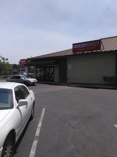Grocery Store «Grocery Outlet Bargain Market», reviews and photos, 333 E 10th St, Gilroy, CA 95020, USA
