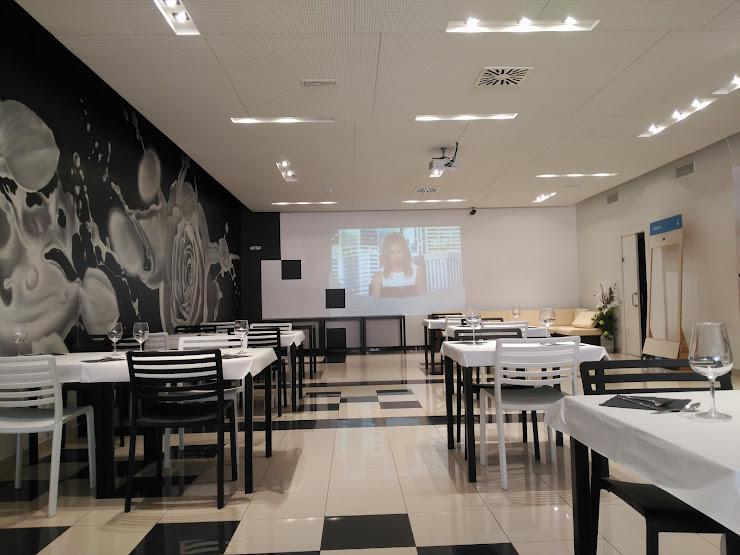 Restaurante en Badalona Blanc i Negre C/ Alemania, 9 Nave 11, 08917 Badalona, Barcelona