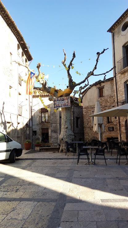 Hotel Fonda Siqués - Restaurant Cal Parent Avinguda President Lluís Companys, 6, 17850 Besalú, Girona