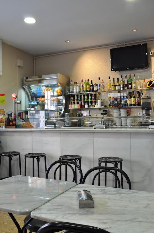 Granja-Bar CRETA (cuina mediterrània) Carrer de las Navas de Tolosa, 319, 08026 Barcelona