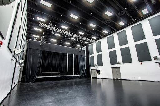 Centre des Congrès Centre des arts de Baie-Comeau à Baie-Comeau (Quebec) | CanaGuide