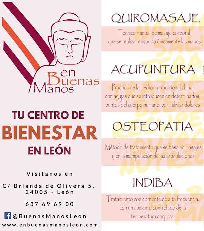 imagen de masajista EN BUENAS MANOS LEÓN QUIROMASAJE Y ACUPUNTURA)