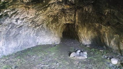 Cuevas de Añón