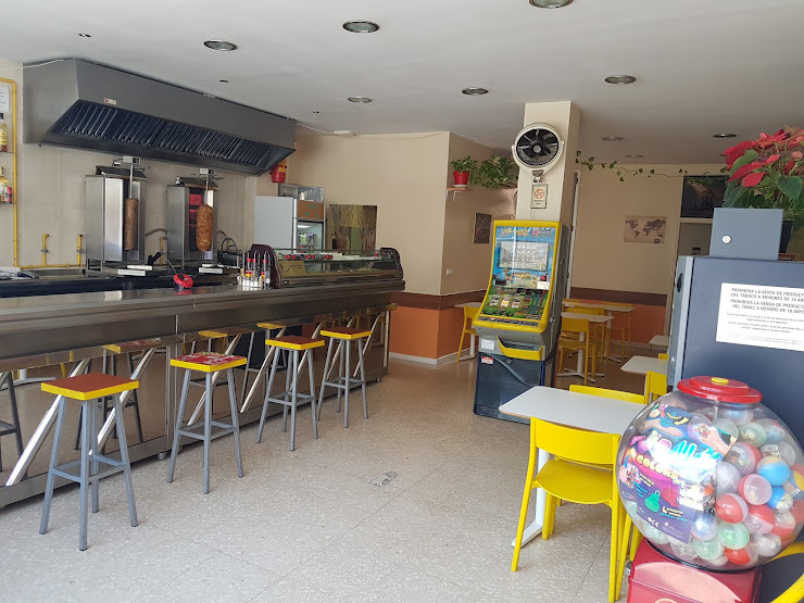 SUPER KEBAB TERRASSA Carrer de Colom, 34, 08222 Tarrassa, Barcelona