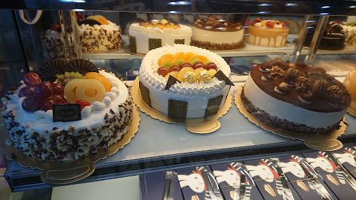聖保羅烘焙花園 民雄店 嘉義民雄伴手禮 彌月蛋糕 生日蛋糕 喜餅 中秋月餅 春節禮盒