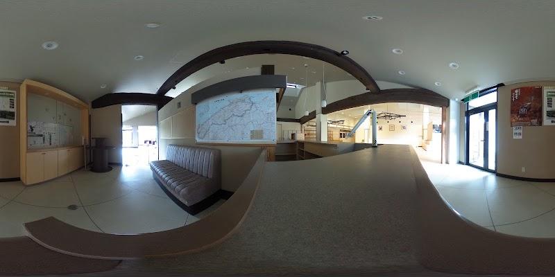 鉄の彫刻美術館・三国ロッジ