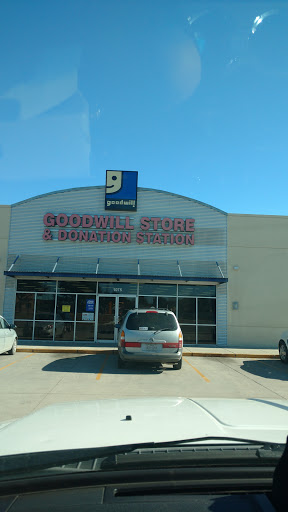 Goodwill Store and Donation Station, 1075 S Walnut Ave, New Braunfels, TX 78130, Association or Organization