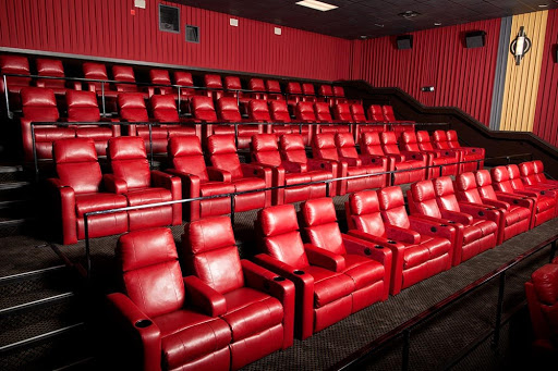 Movie Theater «Marcus Theatres Majestic Cinema of Omaha», reviews and photos, 14304 W Maple Rd, Omaha, NE 68164, USA