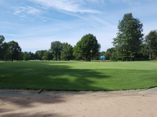 Golf Course «Oak Brook Golf Club», reviews and photos, 9157 Fruit Rd, Edwardsville, IL 62025, USA
