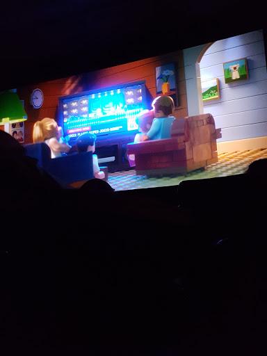 Movie Theater «Regal Cinemas Silver City Galleria 10», reviews and photos, 2 Galleria Mall Dr, Taunton, MA 02780, USA