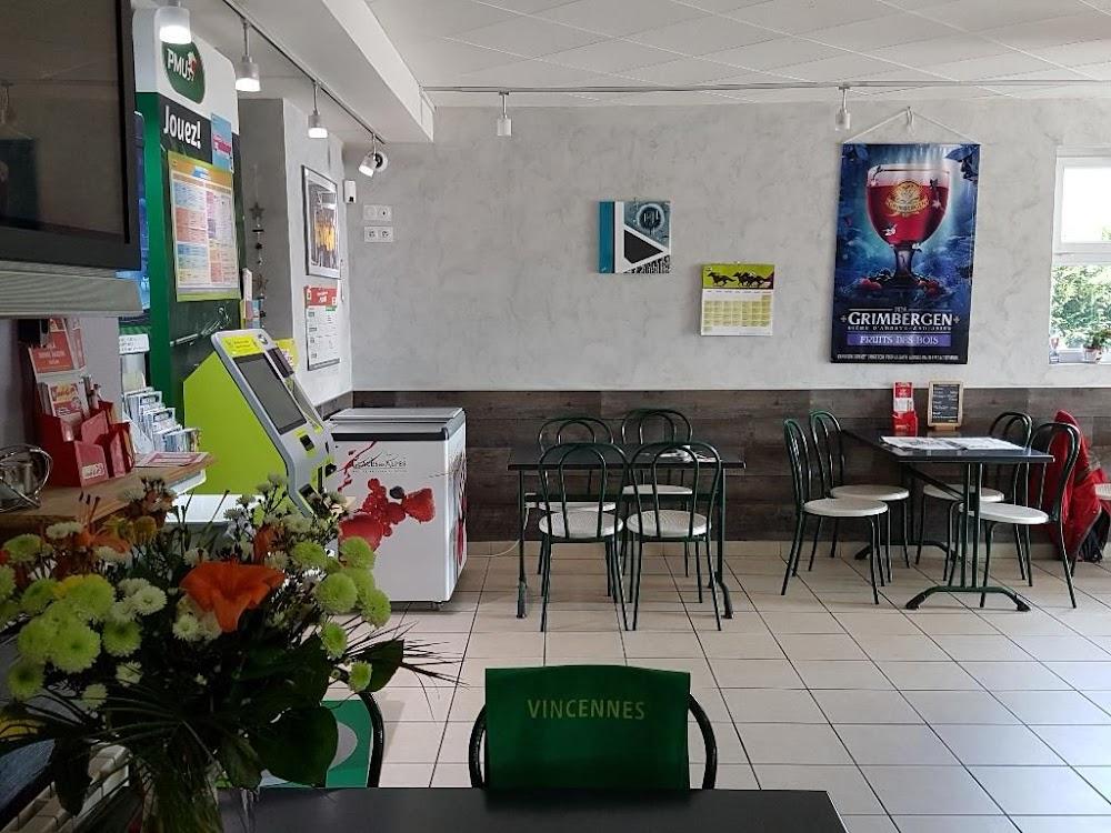 photo du resaurant Le Bar Du Mont Rivel