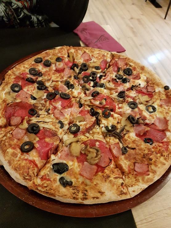 Pizzería Carlos Sant Boi Ronda de Sant Ramon, 122, 08830 Sant Boi de Llobregat, Barcelona