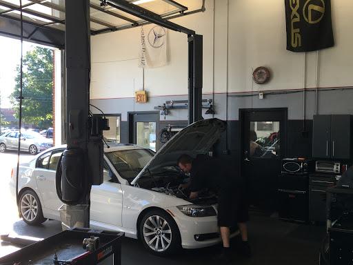 Auto Repair Shop «Wade Automotive Repair», reviews and photos, 5528 Chamblee Dunwoody Rd, Dunwoody, GA 30338, USA