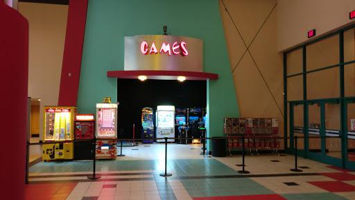 Movie Theater «Regal Brooklyn Center Stadium 20», reviews and photos, 6420 N Camden Ave, Brooklyn Center, MN 55430, USA
