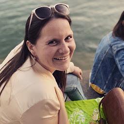 Freie Rednerin Magdalena Hugenschmidt | Harmony-Words | Traurednerin | Trauerrednerin | Trauredner | Trauerredner