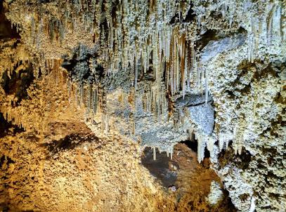 Cueva De Llamazares