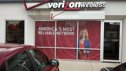 Cell Phone Store «Verizon Authorized Retailer - A Wireless», reviews and photos, 110 7th St S, Moorhead, MN 56560, USA