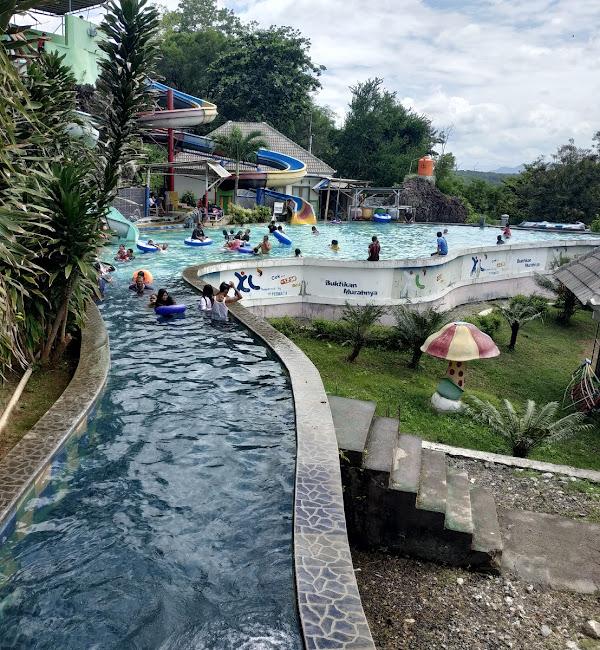 Tempat Wisata Di Wonogiri Waterboom Gajah Mungkur