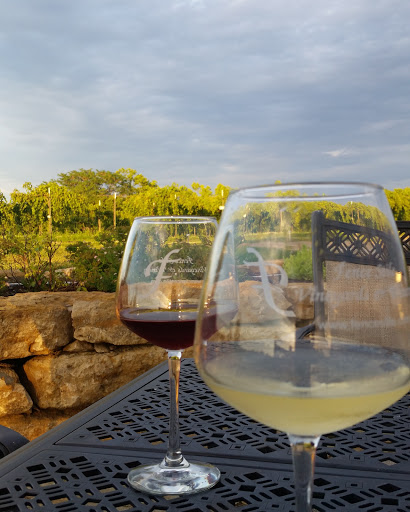 Winery «Fence Stile Vineyards & Winery», reviews and photos, 31010 W 124th St, Excelsior Springs, MO 64024, USA