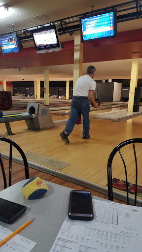 Bowling Alley «Crafton Ingram Lanes», reviews and photos, 252 Crafton Shopping Center, Crafton, PA 15205, USA