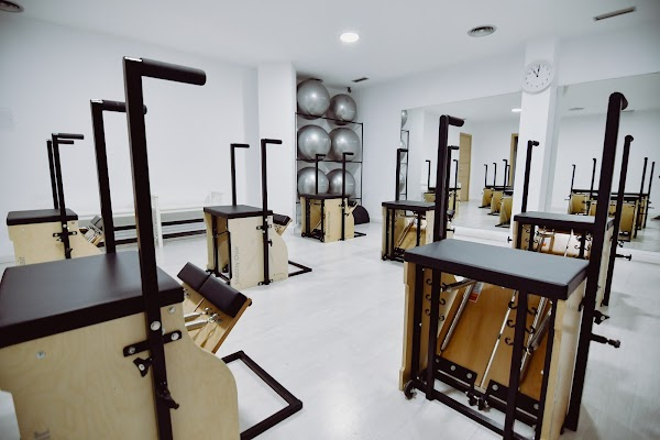 Bernini Wellness  Pilates, Yoga y Mindfulness  Mesa y López