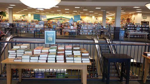 Book Store «Barnes & Noble», reviews and photos, 6002 Slide Rd, Lubbock, TX 79414, USA