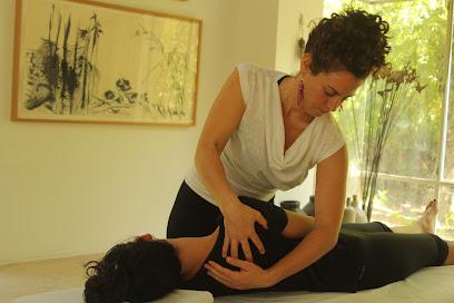 imagen de masajista MASAJE Y REFLEXOLOGIA MÁLAGA