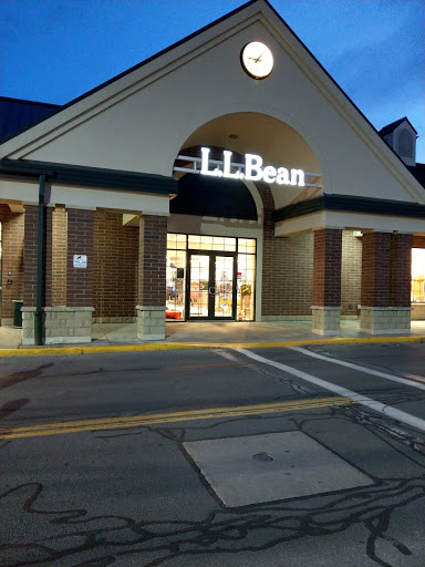 clothing store l l bean reviews and photos 304 towne dr fayetteville ny 13066 usa stores goods com