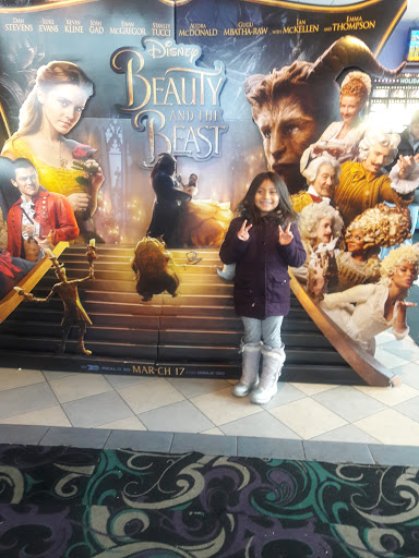 Movie Theater 171 Holiday Cinemas Stadium 14 187 Reviews And