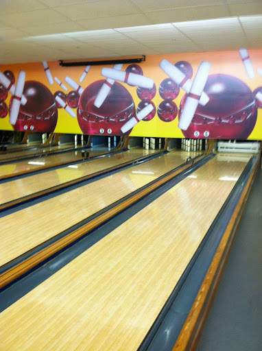 Bowling Alley «Mohegan Bowl», reviews and photos, 51 Thompson Rd, Webster, MA 01570, USA