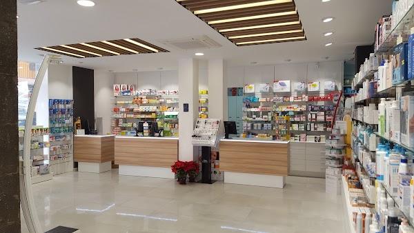 Farmacia Calzada de Castro. Lda. Pilar Acuyo Iriarte