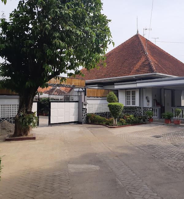 Roemah Djadoel Family Guest House Jombang