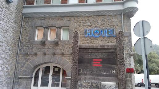 Hotel Errekagain