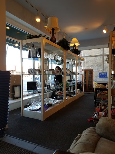 Thrift Store «Winnetka Thrift Shop», reviews and photos, 992 Green Bay Rd, Winnetka, IL 60093, USA