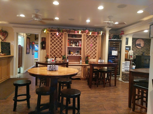 Vineyard «Barrel Run Crossing Winery and Vineyard», reviews and photos, 3272 Industry Rd, Rootstown, OH 44272, USA