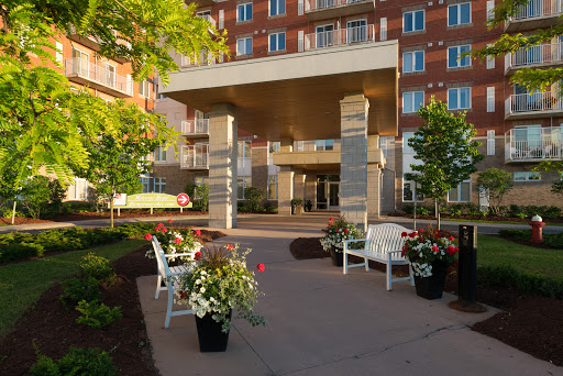 Retirement Home Beacon Heights Retirement Residence in Gloucester (ON) | LiveWay