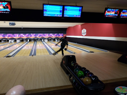 Bowling Alley «AMF Rose Bowl Lanes», reviews and photos, 28001 Groesbeck Hwy, Roseville, MI 48066, USA