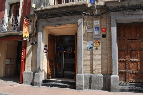 Be Zaragoza Hostel