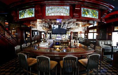 Restaurant Pub D'Orsay Bar Vieux-Québec Beer Moules Mussels Steak Burgers poutine Vegetarian